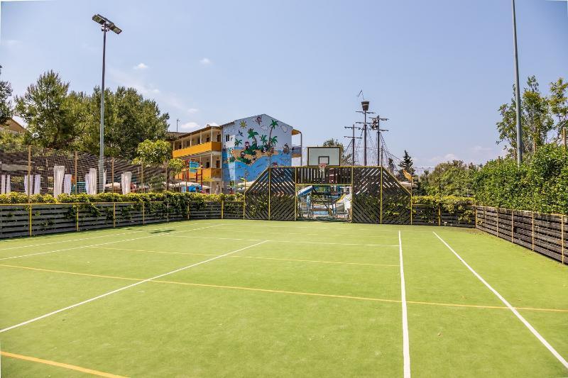 Zafiro Tropic in Alcudia, Majorca | Holidays from €301pp | loveholidays.ie