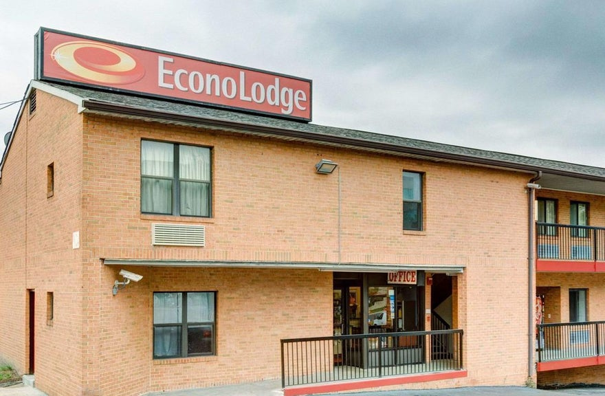 Econo Lodge by University